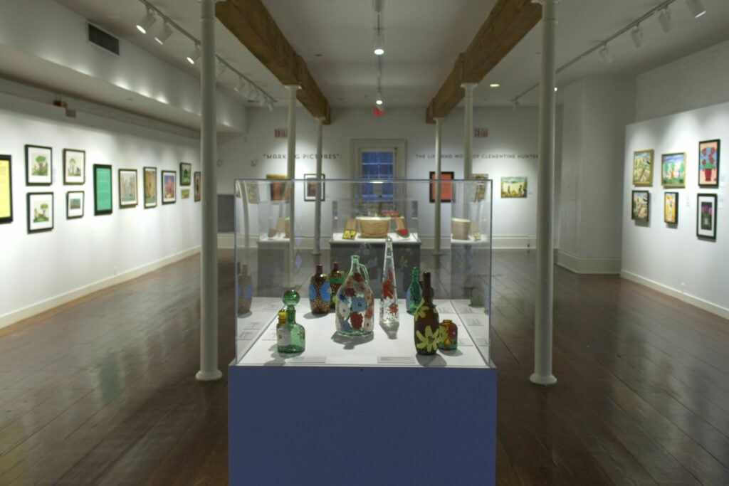 Clementine Hunter exhibit in New Orleans into next year