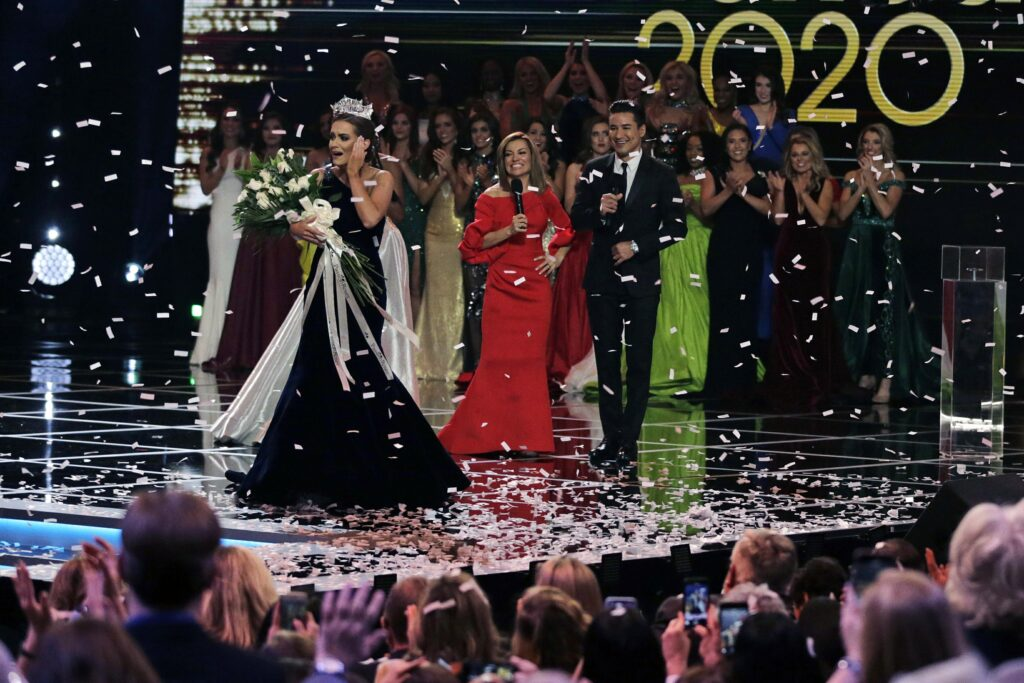 Miss America to be crowned in live event after virtual year