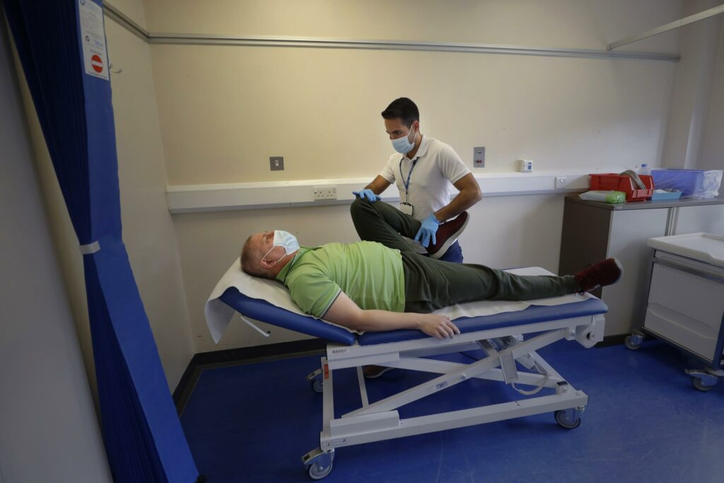 """Clinic helps long-haul patients in London's """"COVID triangle"""""""