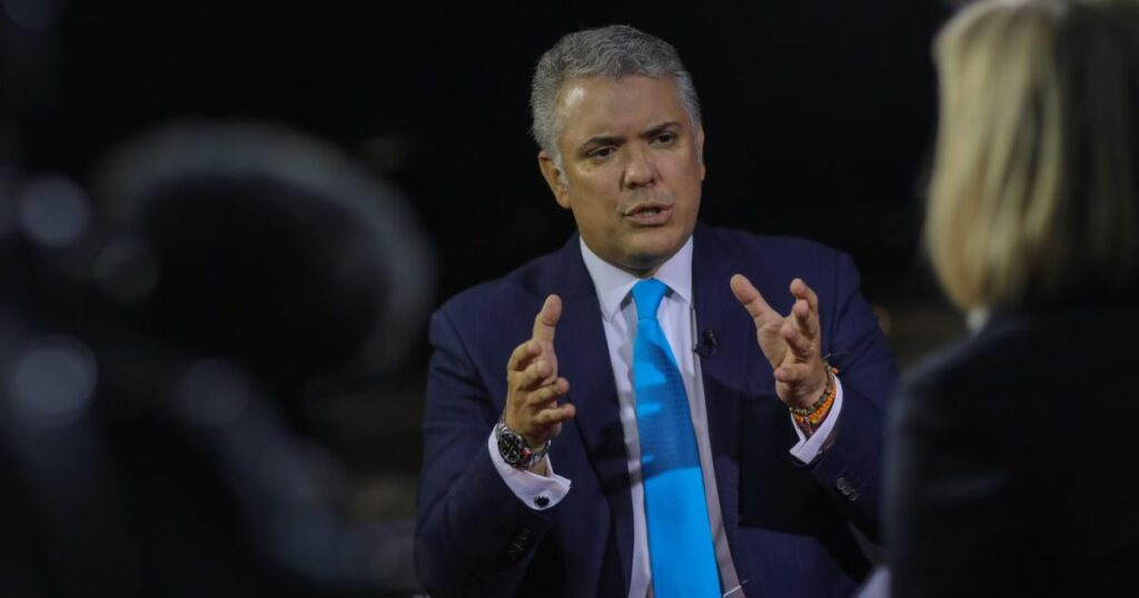 Colombian currency plunges on finance minister resignation report | Protests News