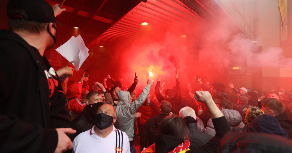 Manchester United fans invade stadium in protest against owners | Football News