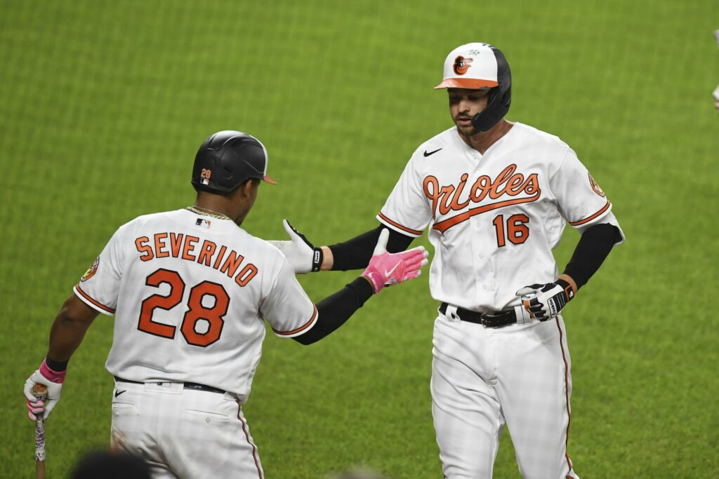 Mancini, O's avoid 4-game sweep, beat Red Sox 4-1
