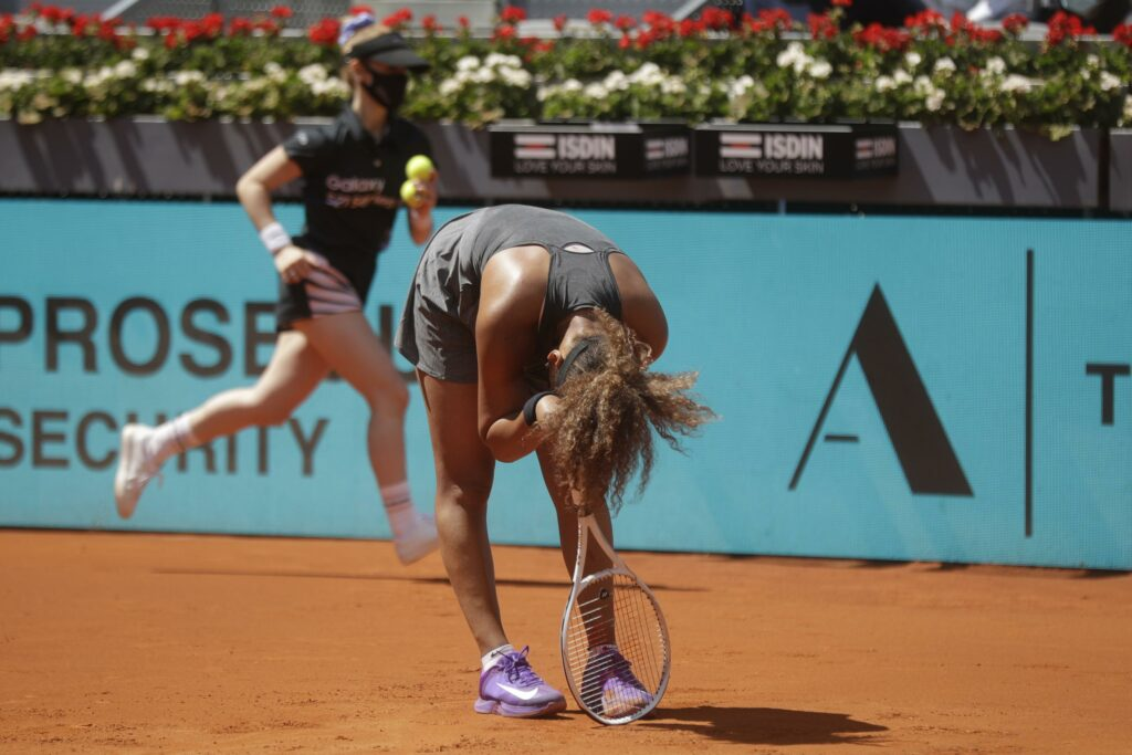 Osaka loses to Muchova in 3 sets at Madrid Open