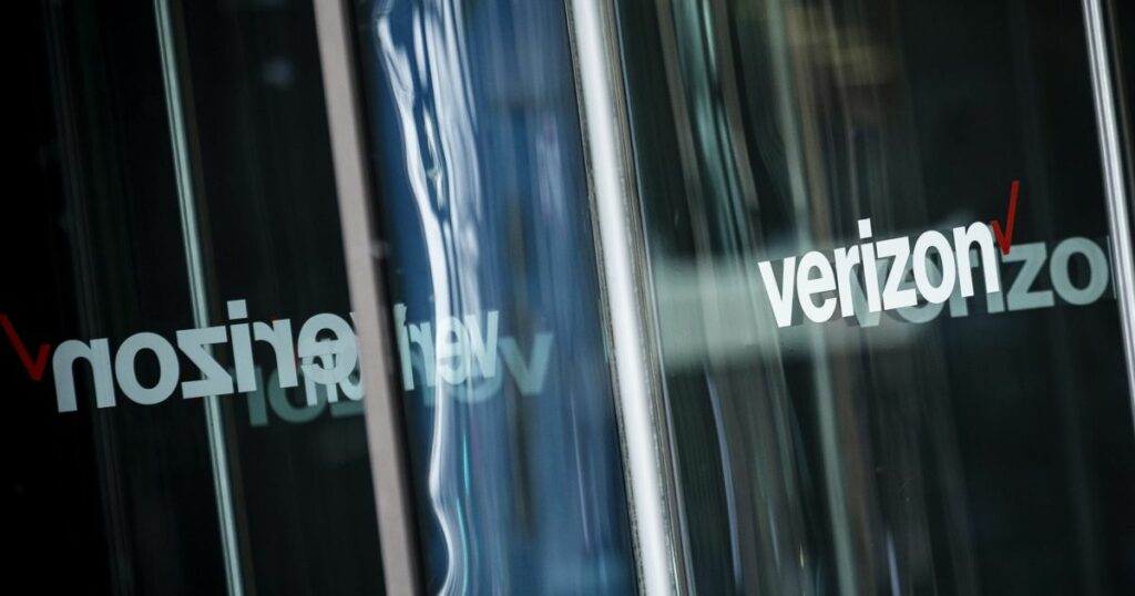 Verizon sells off media division including Yahoo, AOL for $5bn | Business and Economy News