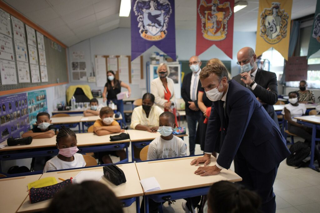 French children back to school, wearing masks